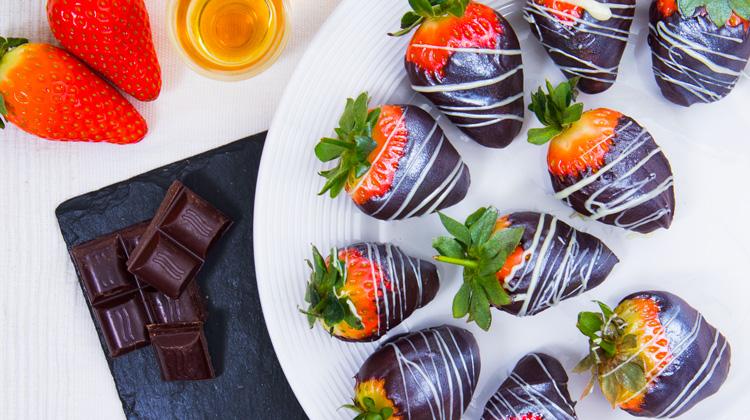 Boozy Chocolate Covered Strawberries Recipe