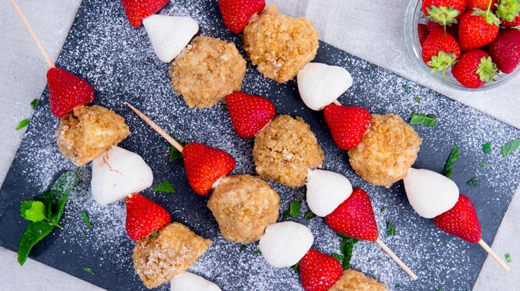 Eton Mess Cheesecake Dessert Kabobs