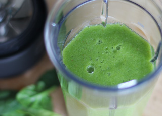 Green Smoothie Recipe with Spinach